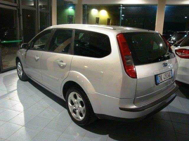 usato 1 6 tdci 90cv s w ford focus 2007 km in urbino pu. Black Bedroom Furniture Sets. Home Design Ideas