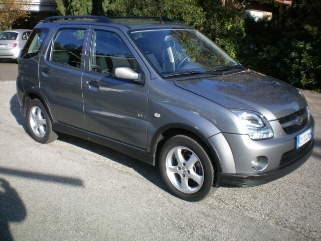 usato 4x4 1 5 16v deluxe suzuki ignis 2005 km in rosa 39 vicenza. Black Bedroom Furniture Sets. Home Design Ideas