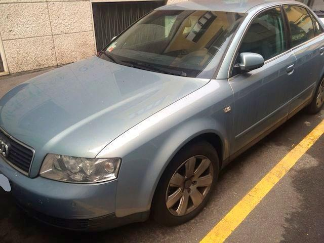 Sold audi a4 3 0 benz v6 berlina 4 used cars for sale for Lunghezza audi a4 berlina