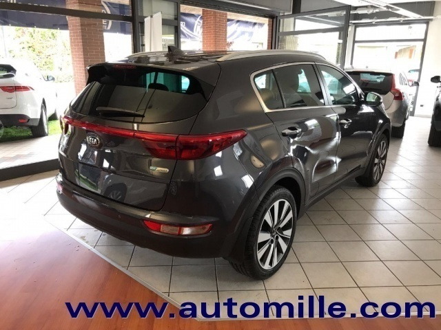 sold kia sportage 1 7 crdi 141 cv used cars for sale autouncle. Black Bedroom Furniture Sets. Home Design Ideas