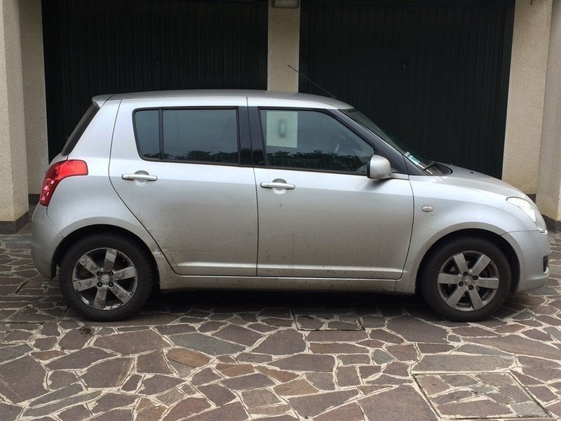 sold suzuki swift 1 3 5p gl safet used cars for sale autouncle. Black Bedroom Furniture Sets. Home Design Ideas
