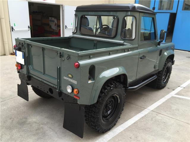 sold land rover defender 90 2 4 td used cars for sale autouncle. Black Bedroom Furniture Sets. Home Design Ideas