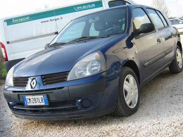 usato 1 5 dci 100cv 5p luxe dynam renault clio 2004 km in casoria na. Black Bedroom Furniture Sets. Home Design Ideas