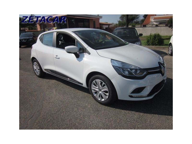 usato 1 5 dci 90cv intens mod 2017 renault clio 2016 km 0 in roma. Black Bedroom Furniture Sets. Home Design Ideas