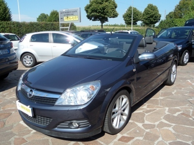 usato twintop 1 8 16v vvt opel astra cabriolet 2007 km in albaredo di vede. Black Bedroom Furniture Sets. Home Design Ideas