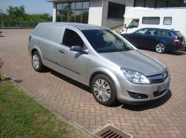 sold opel astra 1 9 cdti 120cv sw used cars for sale autouncle. Black Bedroom Furniture Sets. Home Design Ideas