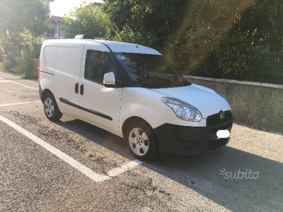 Venduto Fiat Doblò Trasporto Cani 2 Auto Usate In Vendita