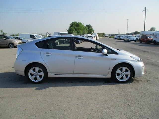 sold toyota prius 1 8 hsd lounge 5 used cars for sale autouncle. Black Bedroom Furniture Sets. Home Design Ideas