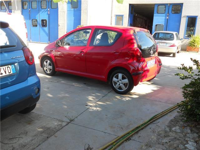 sold toyota aygo 1 4 diesel 3 porte used cars for sale autouncle. Black Bedroom Furniture Sets. Home Design Ideas