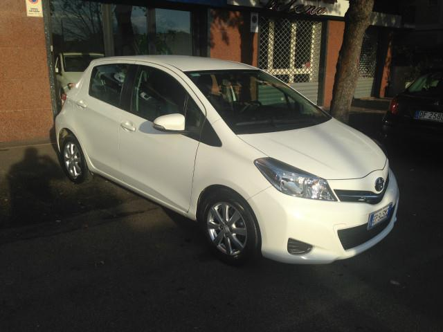 sold toyota yaris bianca 1400 d4d used cars for sale autouncle. Black Bedroom Furniture Sets. Home Design Ideas