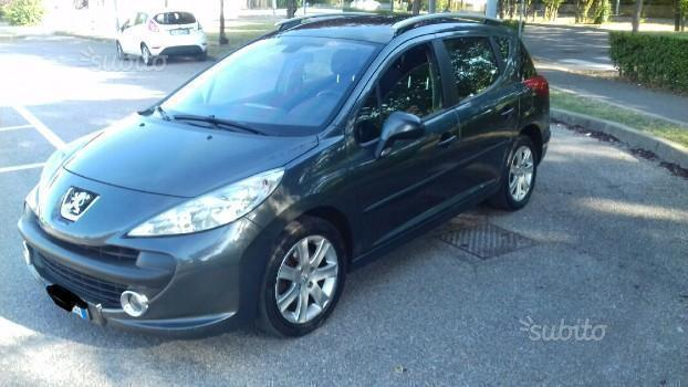 sold peugeot 207 1 6 hdi 90cv fap used cars for sale autouncle. Black Bedroom Furniture Sets. Home Design Ideas