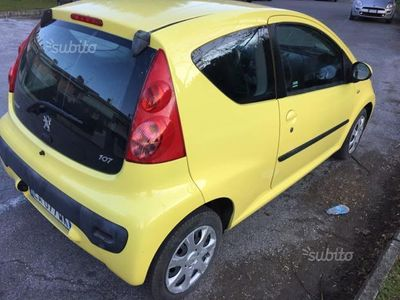 usata Peugeot 107 1.0 benzina per neopatentati