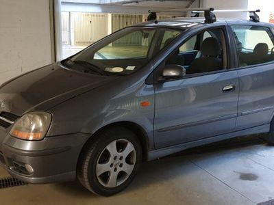 usata Nissan Almera Tino anno 06-2004
