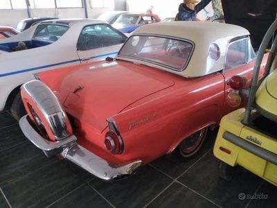 usata Ford Thunderbird V8