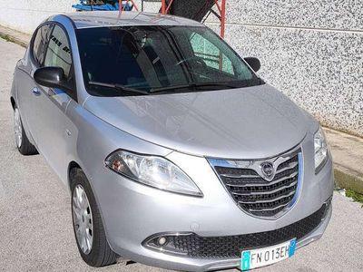 usata Lancia Ypsilon 1.2 69 CV 5 porte GPL Silver