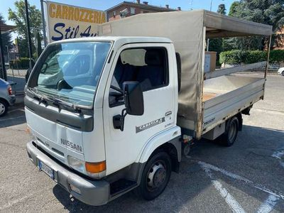 usata Nissan Cabstar -E 110.35 3.0 Tdi CENTINATO,PASSO CORTO,3POSTI,SER