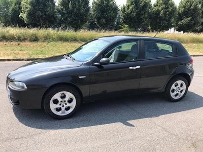 usata Alfa Romeo 147 1.9 JTD (120) 5 porte Distinctive*EURO4*CLIMA