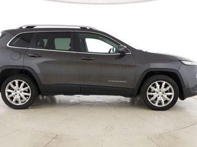 begagnad Jeep Cherokee Limited 2.2 dsl 4wd auto 200cv e6