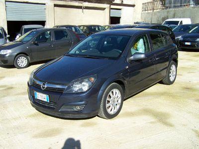 usado Opel Astra 1.9 CDTI 120CV 5 porte Elegance