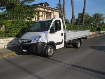 usata Iveco Daily 35/c10 Autocarro 2.3 16v (cassone) Usato