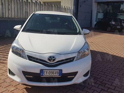 usata Toyota Yaris 1.0 5 porte Active del 2015 usata a Crotone