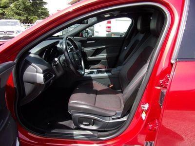 używany Jaguar XE XE2.0 D Turbo aut. R-Sport