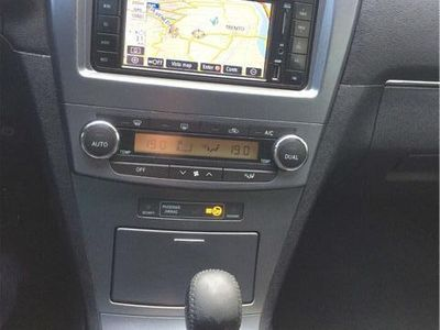 gebraucht Toyota Avensis 2.2 D-Cat aut. Wagon Executive
