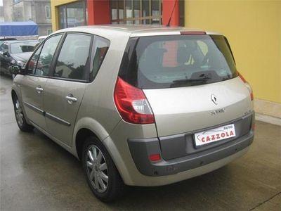 usata Renault Scénic 1.9 dCi/130CV Dynamique-PER COMMERCIANTI-