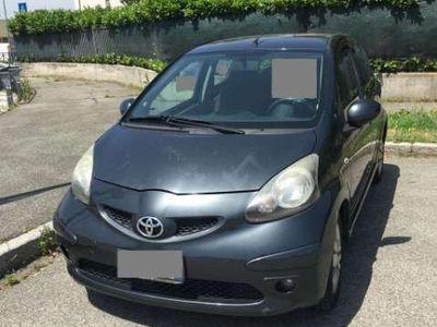 używany Toyota Aygo 1.0 12V VVT-i 5 porte Sol