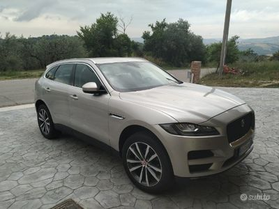 usata Jaguar F-Pace 2.0 180 cv prestige