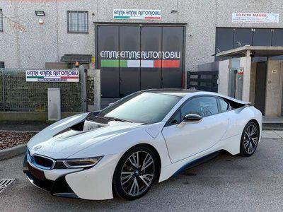 begagnad BMW i8 DRIVING ASSISTANT CERCHI 20 LED NAVI PRO PDC FULL!