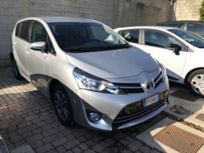 usata Toyota Verso 1.6 D-4D Active 7 posti del 2015 usata a Bari