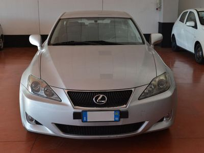 usata Lexus IS220d 2.2 16V Luxury