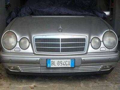 usata Mercedes E290 elegance