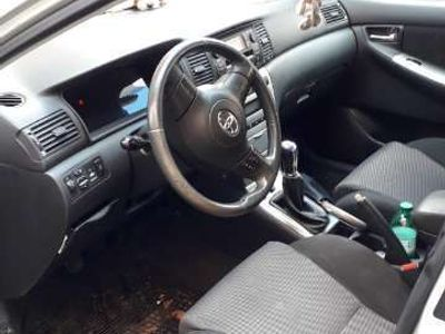 używany Toyota Corolla 2.0 16V D-4D 5 porte