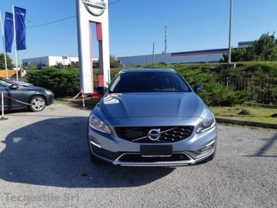 brugt Volvo V60 CC D4 Geartronic Pro usato