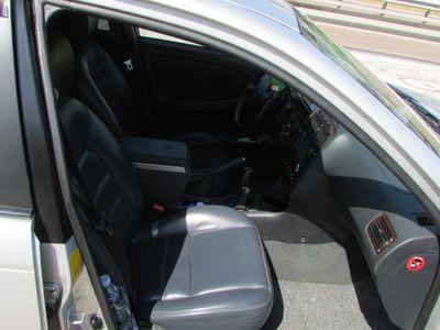 second-hand Toyota Avensis 2ª serie - 2001