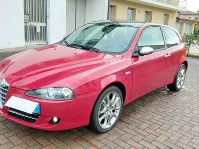 usata Alfa Romeo 147 1.6 16v 105cv Black line