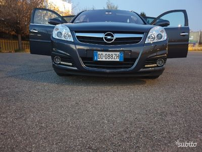 usata Opel Signum 1.9 cdti sport 150cv 76.000 km nuova