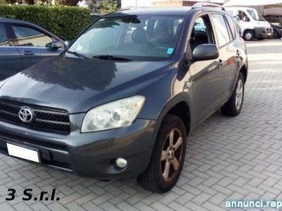 used Toyota RAV4 RAV 42.2 D-4D 136 CV DPF Luxury