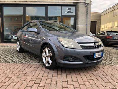 usata Opel Astra GTC 1.7 CDTI 101CV 3 porte