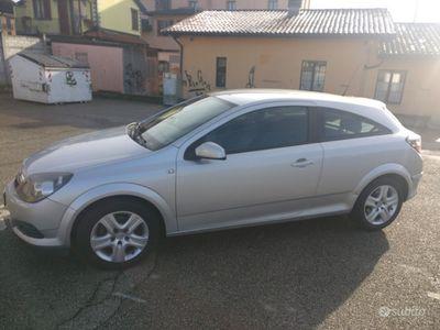 usata Opel Astra GTC 1.7