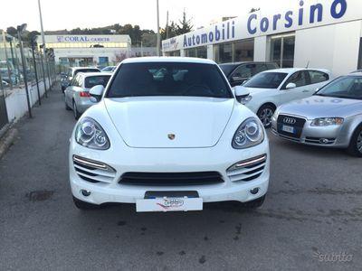 begagnad Porsche Cayenne 3.0D Platinum Edition