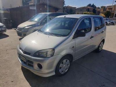 usata Daihatsu YRV 1.0i 12V cat CB