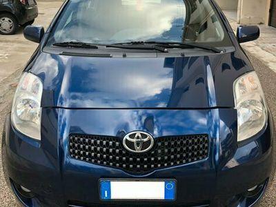 usata Toyota Yaris 1.0i 16V cat 5 porte Sol