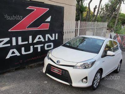 second-hand Toyota Yaris Hybrid UNIPRO' 2014