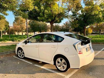usata Toyota Prius modello 3 / 180.000 chilometri