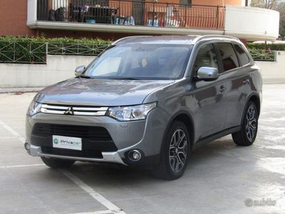 usata Mitsubishi Outlander 2.2 DI-D 4WD Instyle 7p.