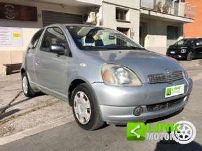 usata Toyota Yaris 1.3i 16V Sol