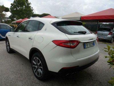 brugt Maserati Levante v6 430 cv s awd perfette condizioni